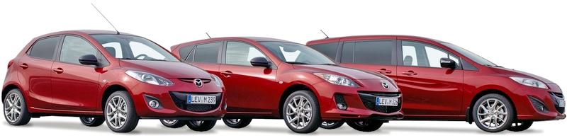 Автомобили Mazda на белом фоне.